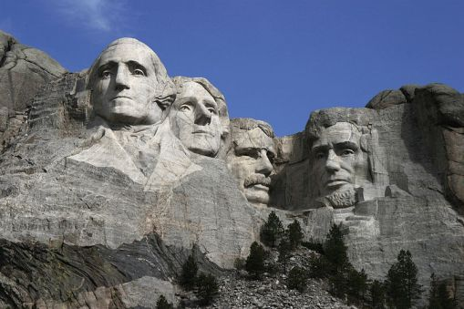 800px-Dean_Franklin_-_06.04.03_Mount_Rushmore_Monument_(by-sa)-3_new